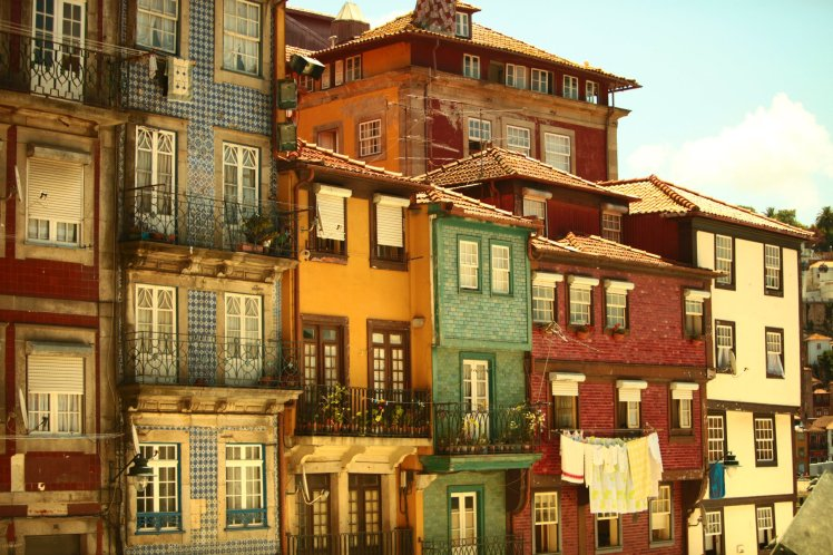 Porto-houses.jpg